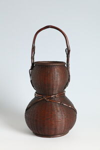 Flower Basket in the Form of a Gourd (T-4248)