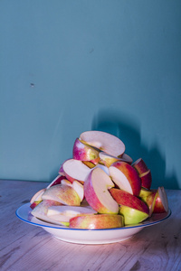 2421, Sliced apples