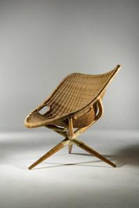 Tripod Chair