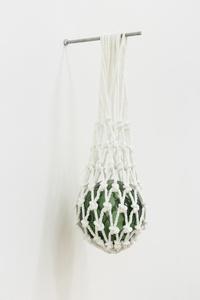 Bóia de vidro manufacturada, suspensa em rede de basketball