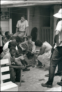 Bob Dylan behind the SNCC office, Greenwood, Mississippi