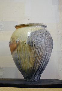 Shigaraki-type large jar