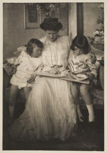 "Princess Rupprecht and her Children, published in ""Camera Work"" (April 1910)"