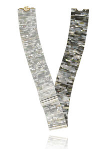 Mother of Pearl Tile loop necklace