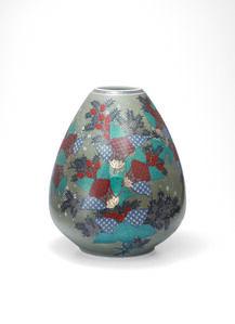 Vase with Zuika (Mullein) Flower Patterns