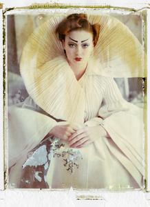 """""""La Fille en Platre IV"""" Paris, Dior, Haute Couture 2007"""