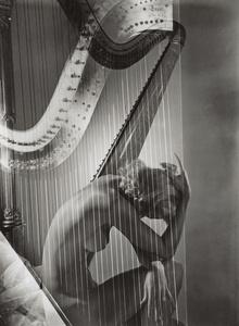 Lisa with Harp