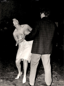 Starlet Nadia Par improvising a strip at Villa Borghese