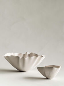 "Bowls in porcelain from the series ""Less N1 Catenary Pottery Printer"""