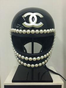 """Chanel Helmut"""
