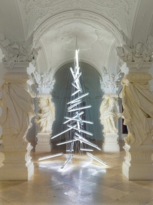 Belvedere Christmas Tree 2015: Under the Weight of Light by Manfred Erjautz