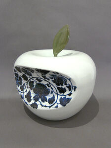 Apple - China (Blue)