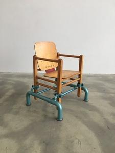 Stuhl 30 (b)