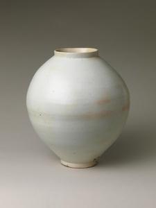 Moon Jar (백자 달항아리 조선 白磁壺 朝鮮)