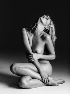 Marloes Nude Portrait