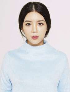 Min Ji, Seoul