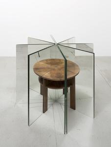 Ein Tisch ist ein Tisch (A table is a table)