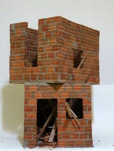 Escultura Miniatura sobretudo o que nada sobra [Miniature Sculpture - above nothing that remains]
