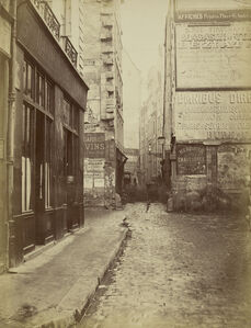 Rue Tirechappe, vue prise de la rue Saint-Honor'