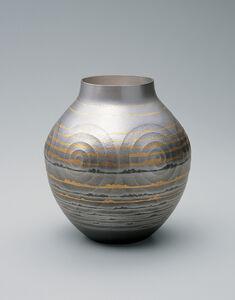 Silver Vase: Distant Sea