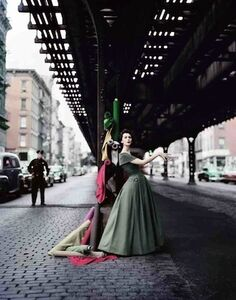 Dovima Under the El, Dior