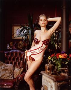 Dioni Tabbers. Miss Wilde