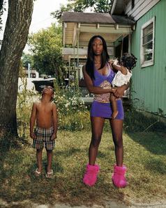 Niesha with her children
