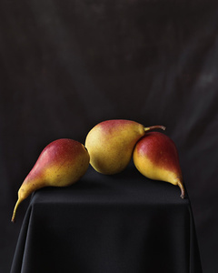 Three Pears (834)