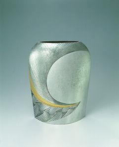 Silver Vase Yū (Distant)