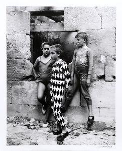 Trio de Saltimbanques, Arles