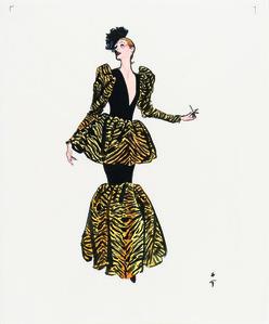 En robe de soirée tigrée