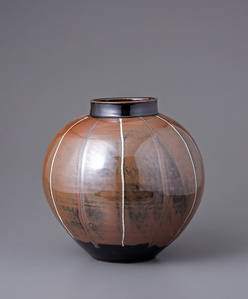 Vase, kaki glaze with stripes
