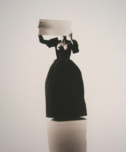 Ana Cristina, Yves Saint Laurent