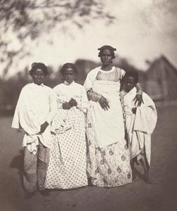 Femme Malgache et Ses Enfants (Plate 3)