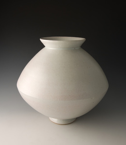 Spindle vase, petalite oak ash glaze