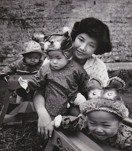 Chine, les chapeaux au jardin d'enfants 1