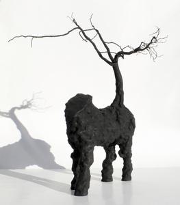 Caballo con árbol
