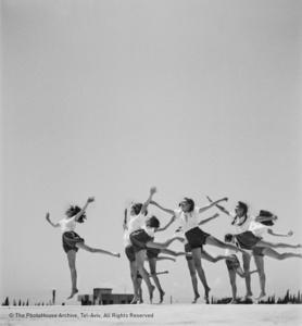 Miriam Weissenstein Gym's class, Herzlia