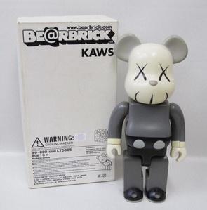 Kaws Mono Gray 400%