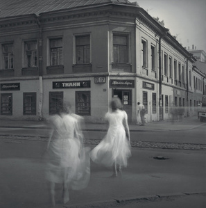 White Dresses, St. Petersburg