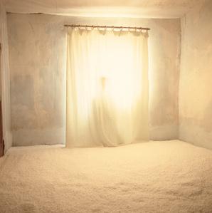 Chambre en hiver, Le fantôme