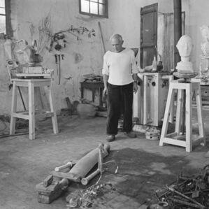 Picasso assembling La femme à la clé, Le Fournas, Vallauris, France