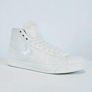 Blazer (white)