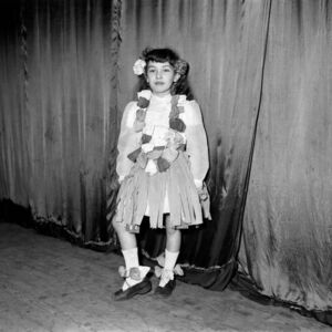 Untitled (Hawaiian girl)