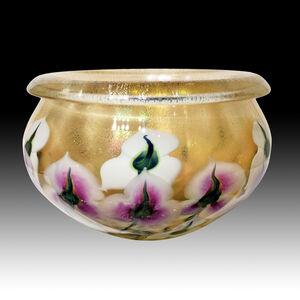 XL Lavender Blush & White, Triple Iris Bowl with Lip