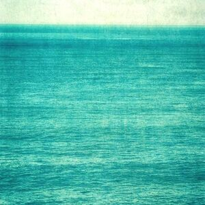Turquoise Water with Horizon, 1/10