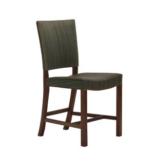 A set of 8 dining chairs
