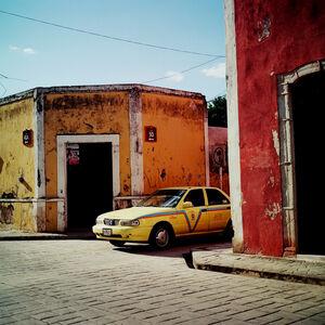 Taxi. December 2014. Valladolid, Mexico