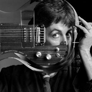 Paul McCartney, Plexiglass Guitar, Studio London