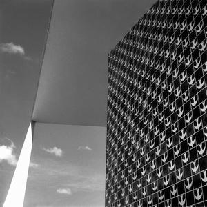 Dois planos e uma reta - Série Brasília Utopia Lírica